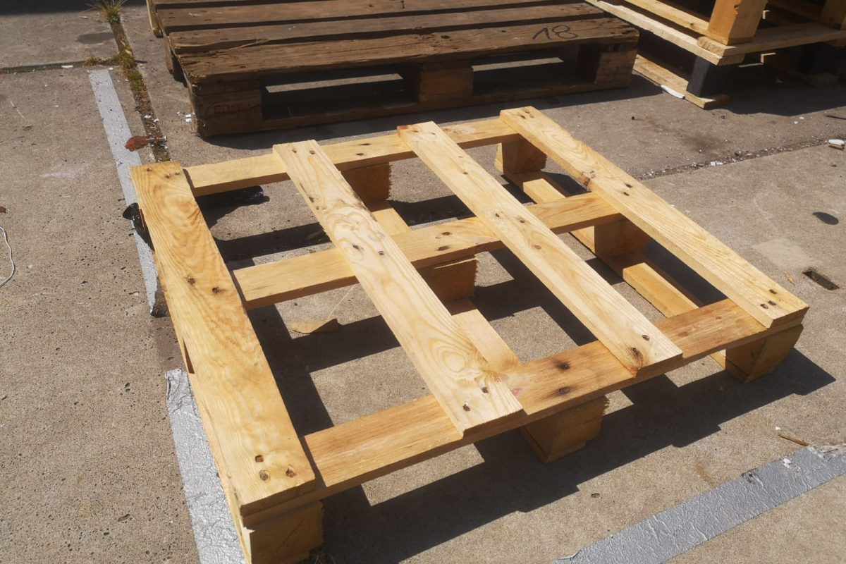Top 7 Reasons To Use Pallets For Your Business